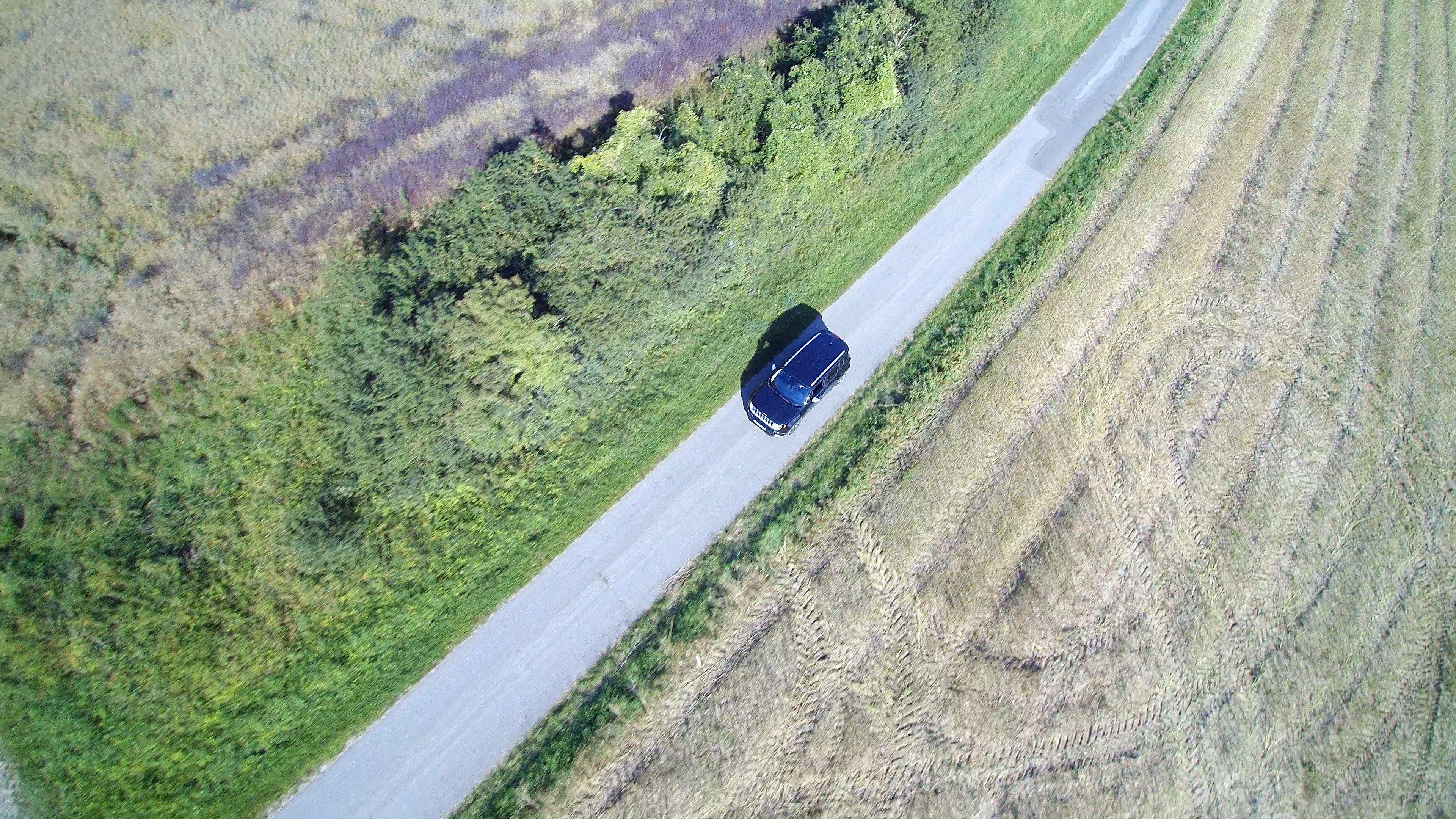 Jeep Renegade auf einen Wirtschaftsweg